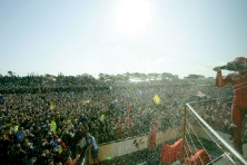 Nicky Hayden Podium & Crowd MotoGP 2007
